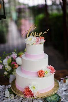 Lovely wedding cake: http://www.stylemepretty.com/little-black-book-blog/2014/12/23/romantic-summer-sonoma-wedding/ | Photography: Jihan Cerda - http://www.jihancerda.com/