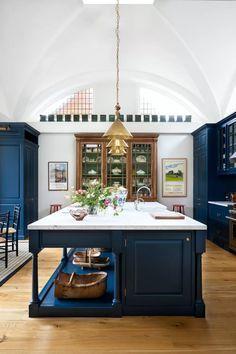 Luxury Kitchens Ben Pentreath creates distinctive and playful architecture and interior design. Modern Home Interior Design, Luxury Home Decor, Modern House Design, Cheap Home Decor, Luxury Interior, Contemporary Interior, Modern Interiors, Modern Decor, Home Decor Kitchen