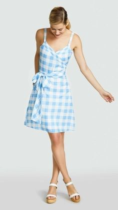The perfect summer gingham dress from of Reese Witherspoon's lifestyle brand Draper James