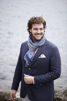Mauro Peter, tenor. All I know about him so far is that he has recorded a beautiful cd with Schubert Lieder.