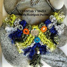 Collar de macramé, moneda de zamak y espejos #cuentasymaña #handmade #collares #macramé