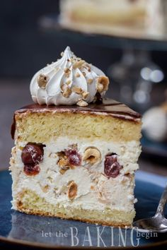 Just Desserts, Delicious Desserts, Dessert Recipes, Kiev Cake, Hazelnut Meringue, Hazelnut Cake, Russian Cakes, Sponge Cake Recipes, Un Cake