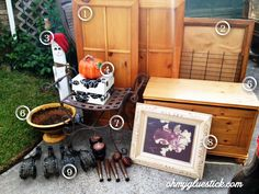 Welcome to Junky Monday Roundup. Here is where I dish on the best junky finds after a trip to my favorite shopping place. The curb. One man's trash is this chic's treasure and I'm bringing it to yo...