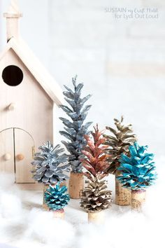 Christmas DIY : Painted Pinecone and Cork Christmas Tree Decorations Christmas Tree Forest, Cork Christmas Trees, Beautiful Christmas Trees, Noel Christmas, 12 Days Of Christmas, Christmas Projects, Holiday Crafts, Christmas Ideas, Christmas Things