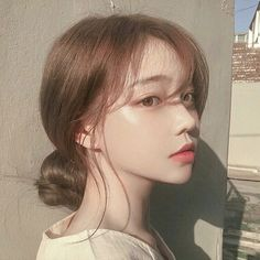 Image about girl in 𝒖𝒍𝒛𝒛𝒂𝒏𝒈 𝒈𝒊𝒓𝒍𝒔 by 𝑗𝑜𝑟𝑑𝑎𝑛 on We Heart It Pretty Korean Girls, Korean Beauty Girls, Cute Korean Girl, Asian Beauty, Asian Girl, Mode Ulzzang, Ulzzang Korean Girl, Ulzzang Short Hair, Ulzzang Girl Fashion