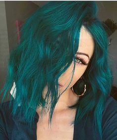 imallaboutdahair Who else is Green with Envy of samihairmagic new Pulp Riot Hair color Lets see some love but lets have fun add in your favorite Green Emoji Im going to vote she has wickeddopehair Pulp Riot Hair Color, Vivid Hair Color, Green Hair Colors, Hair Dye Colors, Cool Hair Color, Mint Hair Color, Emerald Green Hair, Mint Green Hair, Short Green Hair