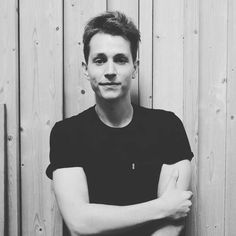 Tweets with replies by James McVey (@TheVampsJames) | Twitter James 3, Pop Bands, Cool Countries, The Vamps, Clear Skin, Cute Guys, Country Music, Make Me Smile, Singer