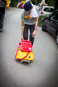 Welche Tasche passt zu dir? Finde es heraus unter proudmorbey.com/go/bags #proudmorbey #new #streetwear #skatewear #lifestyle #proud #madeingermany #highquality #bags #taschen #osaka #tokyo