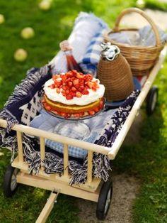 So special. Love the shortcake. Fresco, Picnic Time, Summer Aesthetic, Pavlova, The Fresh, Summertime, Strawberry, Brunch, Eat