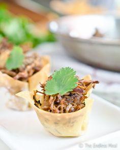 Thai Coconut Beef in Crispy Wonton Cups