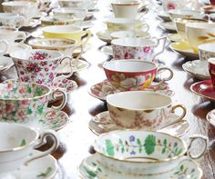 Tea cups for vintage wedding | from The Festive Frog