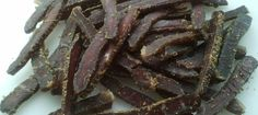 Biltong is a very versatile ingredient that can be used in a plethora of dishes. Here are 15 ways to eat biltong, South Africa's national snack. Quick Snacks, Healthy Snacks, Traditional Bread Recipe, Fish Recipes, Snack Recipes, South African Recipes, Africa Recipes, Around The World Food, Boiled Chicken