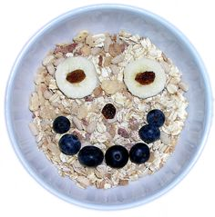 If you're looking for some fast, easy, and nutritious breakfast ideas, then here are some fantastic ideas for you! Read on for some delicious breakfast ideas to prepare for your children. Healthy Breakfast For Kids, Nutritious Breakfast, Healthy Meals For Kids, Kids Meals, Healthy Recipes, Daycare Meals, Healthy Breakfasts, Healthy Food, Hemp Recipe