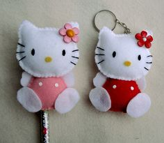 Hello Kitty by artes kaka, via Flickr Fun Easy Crafts, Felt Crafts Diy, Sock Crafts, Art Minecraft, Minecraft Crafts, Skins Minecraft, Sewing Toys, Sewing Crafts, Sewing Projects