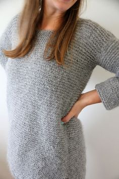 Crochet For Beginners Free knitting pattern for Easy Skappelgenseren pulllover sweater - Very easy pullover sweater pattern that's great for beginners and stylish by Dorthe Skappel. The pictured project is by guroskaa - Easy Sweater Knitting Patterns, Easy Knitting, Knit Patterns, Knitting Ideas, Jumper Patterns, Fun Patterns, Finger Knitting, Knitting Tutorials, Stitch Patterns