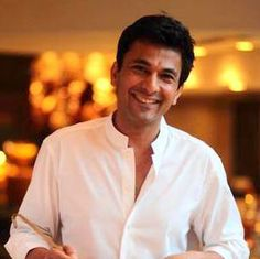 Coupled with his culinary skills and drop-dead gorgeous looks, it is Vikas Khanna's simplicity that instantly makes him everyone's favorite. PioneerChef.com gets talking to the quintessential gourmet expert…