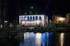 IMGP0327- Hôtel de Ville by night at Honfleur