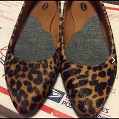 Dr scholls leopard print flats Dr scholls leopard calf hair print flats / excellent condition/ Dr scholls Shoes Flats & Loafers