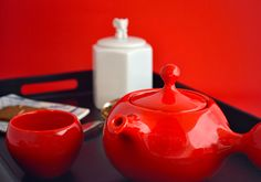 Red BULB teaset. A splash of color to brighten your day.
