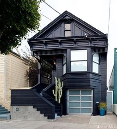 Noe Valley Victorian Oozes Coolness Interior designer and all around creative person Claire Bigbie has put her Noe Valley designer pad on the market. In Bigibe and her partner Jay purchased the tattered Victorian for a cool. Modern Victorian Homes, Victorian Houses, Dark House, 3d Home, Gothic House, House Colors, Exterior Design, Exterior Paint, Architecture Design