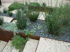 Uberlegen Moderner Steingarten Mit Grünen Pflanzen
