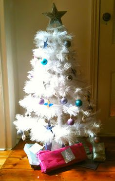 Mumdanity parenting blog: Constructing Christmas, what happens when parents have different ideas about family traditions and holidays