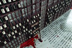 LIBRERIA DEL VINO - Portabottiglie modulare a parete o da terra. WINE BOOKCASE - Wall or floor modular bottle rack.