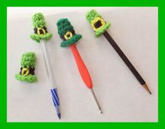 Pinterest Pin - Learn how to make this easy St. Paddy's Day pen or pencil topper.