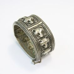 Iron Steel, Steel Metal, Bangle Bracelets, Bangles, Royal Tiaras, Jewerly, Jewelry Accessories, Rings For Men, Fashion Jewelry