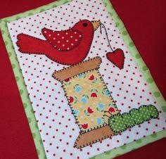 Spoolie Bird Mug Rug Printed Pattern | Stitches of Love Quilting