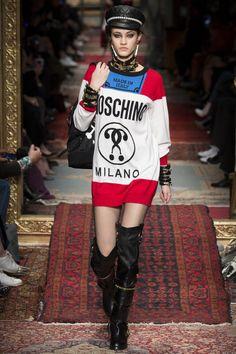 Moschino Fall 2016 Ready-to-Wear Fashion Show