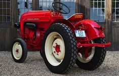 """It was powered by an air-cooled, 822cc, single-cylinder diesel engine giving it 14 hp and a lovely """"bangthump-bangthump-bangthump"""" sound. http://cdn.silodrome.com/wp-content/uploads/2013/07/7a86cdf5-6cb2-4515-b41d-fd14d2ed82bb.jpg  7a86cdf5-6cb2-4515-b41d-fd14d2ed82bb"""