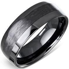 Keramiska ringar är riktig high-tech. Reptålig, snygga, prisvärda och nästan oförstörbar är några egenskaper som gör keramiska ringar så populär. Här en riktigt stilig modell. 8 mm bred, blankpolerad med borstad mittenrand. Finns i flera US storlekar. Priset är 649:- och nu är det 10% rabatt Ange koden HÖST i kassan. Gäller ALLA ringar i butiken. #rea #herrsmycken #smycken #höst #igelberg