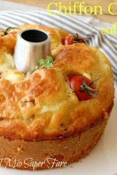 Chiffon cake salata soffice e senza lievitazione is part of pizza - pizza Chiffon Cake, Breakfast Platter, Breakfast Recipes, Best Italian Recipes, Angel Cake, Salty Cake, Biscuit Cookies, Easy Cake Recipes, Savoury Cake