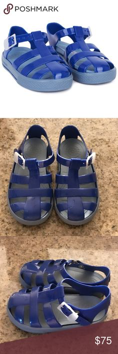Authentic Dolce & Gabbana baby sandals sz 24 US 7 Authentic Dolce & Gabbana baby sandals sz 24 US 7 the size conversion says Sz US 8 but they run smaller. Good condition light wear light scuffs left toe area has a light bite mark (from my baby) super cute sandals Dolce & Gabbana Shoes Sandals & Flip Flops