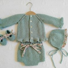Winter Newborn, Eco Clothing, Cotton Club, Baby Girl Crochet, Baby Sweaters, Crochet Fashion, Baby Knitting Patterns, Crochet Dolls, Baby Wearing