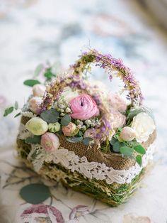 Wedding Flower Arrangements 12 Flower Baskets Your Flower Girl Will Love ~ sweet little basket by A Garden Party - Flower Girl Bouquet, Flower Girl Basket, Flower Boxes, Flower Baskets, Beautiful Flower Arrangements, Floral Arrangements, Beautiful Flowers, Wedding Flower Design, Wedding Flowers