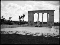 Monumento a Sía, la Diosa del Agua, ubicado en la avenida de las Américas