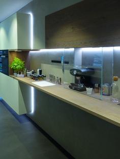 Küchenbeleuchtung - realisiert durch die IMMER AG Lux-Manufaktur Kitchen Island, Table, Design, Furniture, Home Decor, Island Kitchen, Decoration Home, Room Decor