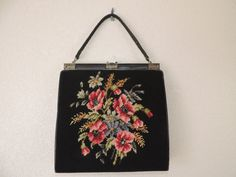 1950's flower tapestry purse. black pink poppy di cricketcapers