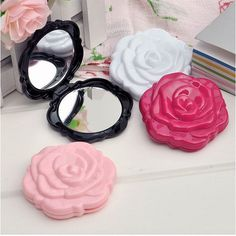 1 Pcs.Vintage Roses Foldable Women Pocket Mirror Chic Retro Makeup Mirrors Portable Cosmetic Compact Flower Mirror.Free shipping