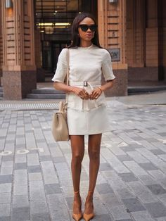 Classic Style Women, Classic Outfits, Beige Outfit, 2020 Fashion Trends, Professional Outfits, Who What Wear, Work Wear, Fashion Outfits, Stylish