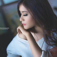 """Lombok Vintage II"" In frame: Lana Puspitha  #photoshoot #vintage #vintagelover #mood #colorful #best_model #portrait #bestoftheday #modeling #instalike #like4like #likeforlike #bdelphotograph"