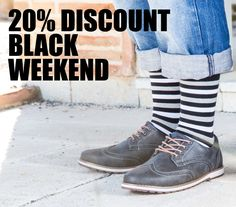 20% discount in all socks during this weekend!! www.lemonadeattack.com
