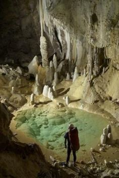antibiotic resistant bacteria found in Lechuquilla Cave; this could mean that bacteria developed antibiotic resistance long before wide spread use of antibiotics