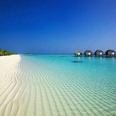 LUX* South Ari Atoll, Dhidhoofinolhu, Maldivas #ari #Maldivas #Atolón http://www.pandabuzz.com/es/imagen-ensueno-del-dia/sur-ari-atolón-maldivas-océano