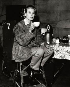 Grace Kelly. Morgonkaffet?