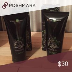 It Works! Defining Gel Brand new still in box never been used or even opened! I'm not a distributor just got on the monthly shipment and then never used it! My loss is your gain! It Works!  Other