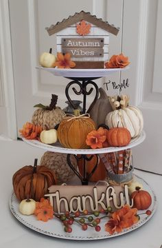Harvest Decorations, Thanksgiving Decorations, Style At Home, Tiered Stand, Dollar Tree Crafts, Fall Diy, Diy Autumn Crafts, Fall Table, Tray Decor