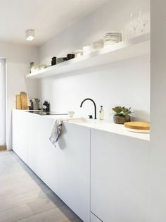 60 Amazing Tiny House Kitchen Design Ideas - Page 58 of 64 Tiny Kitchen Design, Kitchen Remodel, House Design Kitchen, House Interior, White Modern Kitchen, Tiny House Kitchen, Wood Floor Kitchen, Minimalist Kitchen, White Kitchen Design